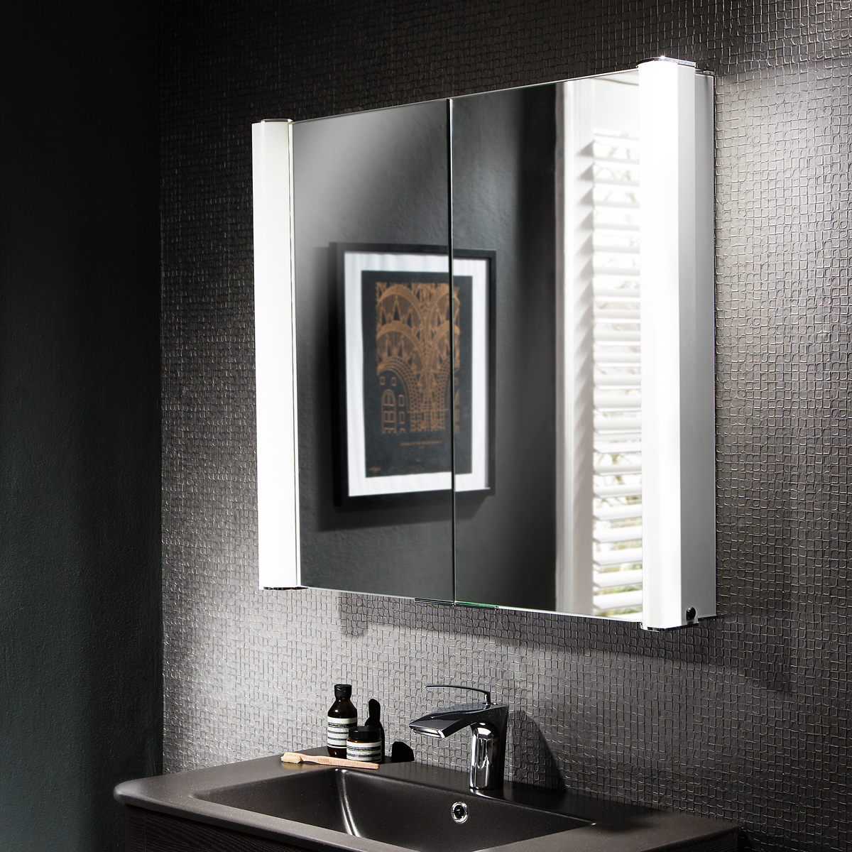 Duo 800mm illuminated mirror cabinet lavo bathrooms and bathroom accessories in cape town for Illuminated mirrors for bathrooms