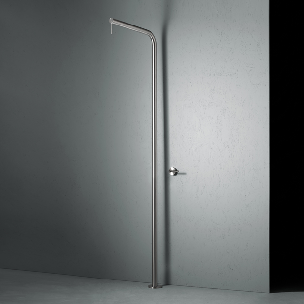 CD015 Levo Freestanding Shower
