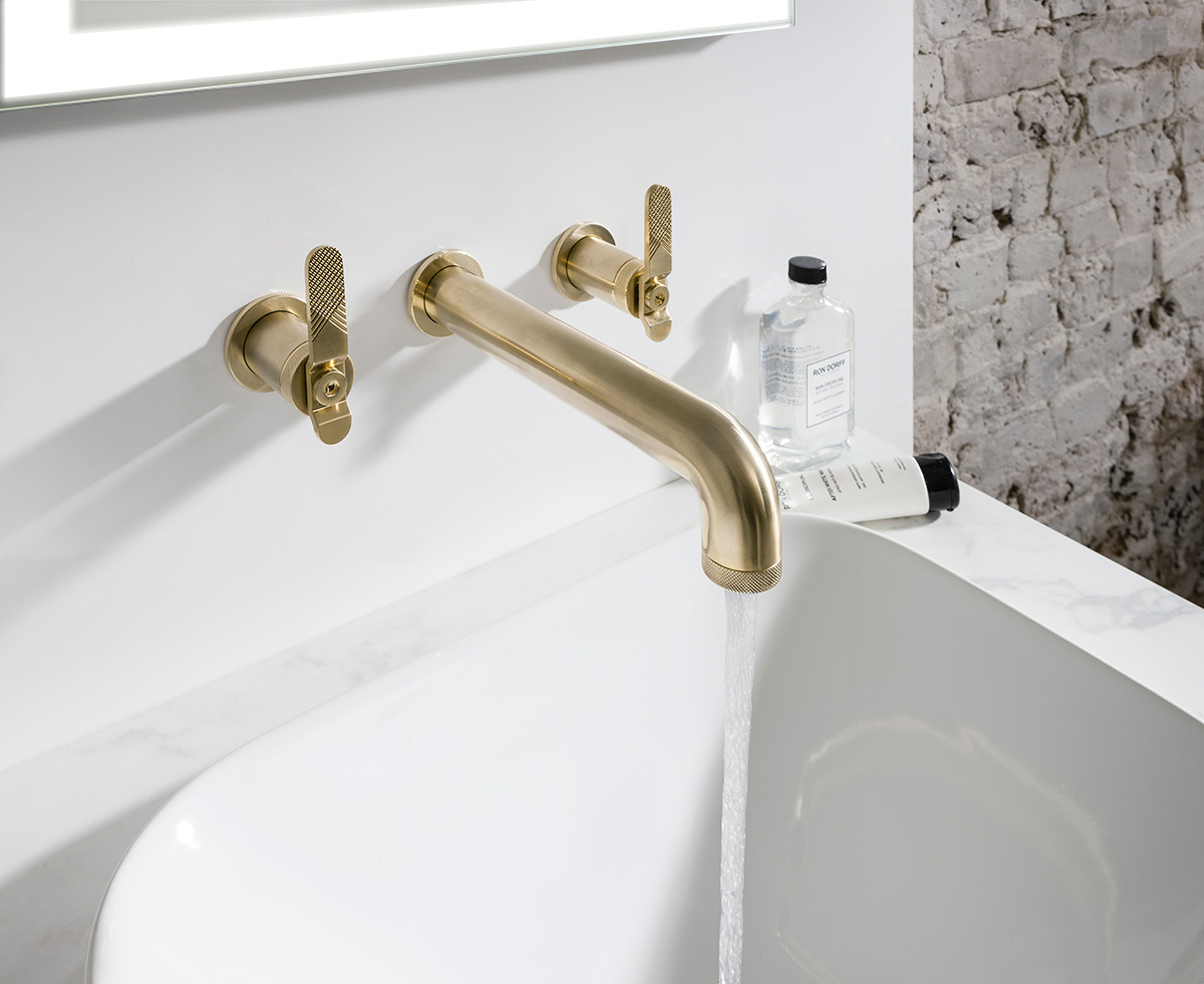 KB2306 Bold Lever 3-hole basin tap